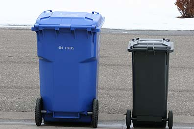 Recycling & trash cans