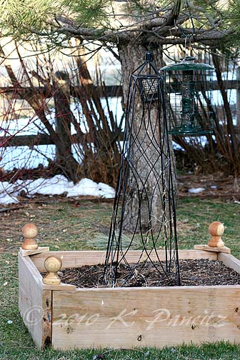 Raised bed finials2