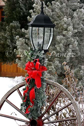 Christmas light post