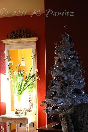 2011 B&W Tree