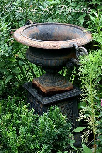 Vintage Black Iron Urn1