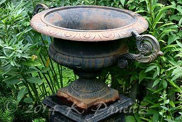 Vintage Black Iron Urn2