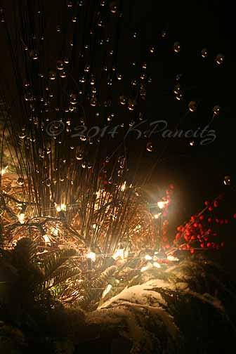 2014 Christmas Urn1