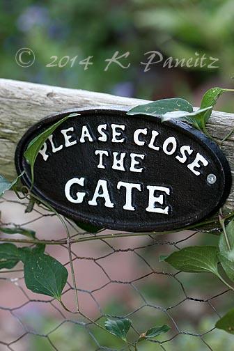 Gate plaque1