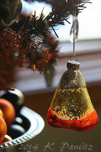 Tabletop Halloween tree3