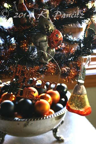 Tabletop Halloween tree1