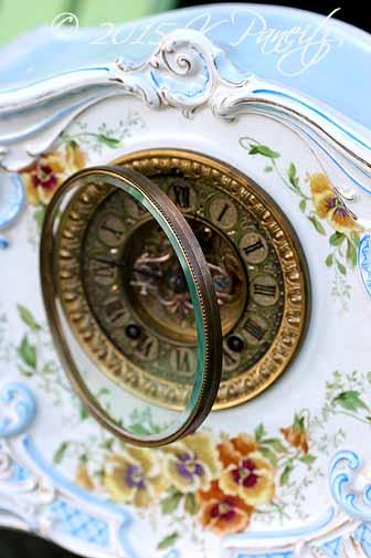 Royal Bonn 'LaLand' Clock2