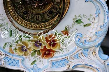 Royal Bonn 'LaLand' Clock4