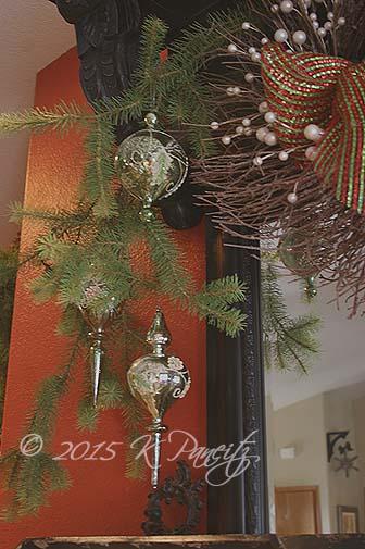 2015 Christmas Mantel12