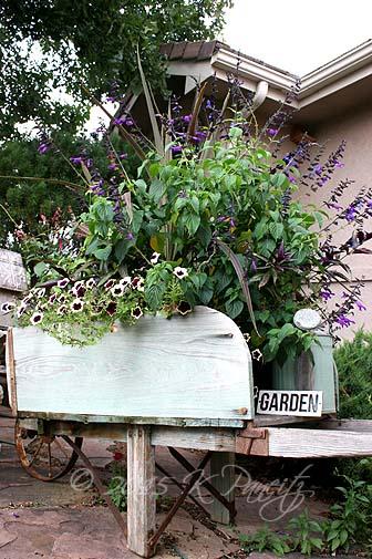 2015 Vintage Wheelbarrow